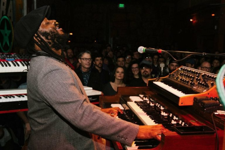 Delvon Lamarr Organ Trio Photo